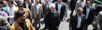 شعار «درود بر روحانی» در پاسخ به تجمع سازمان یافته علیه رئیس جمهور