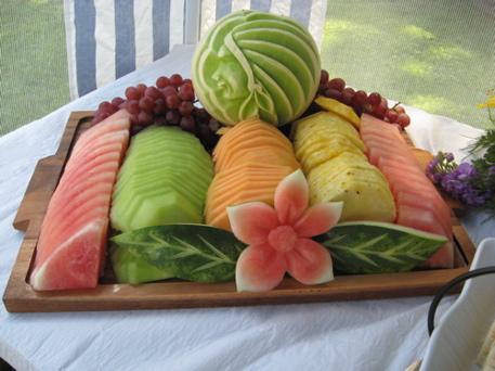 seasonal-fruit-platter-arrangement-with-
