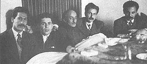 از راست به چپ: هوشنگ ابتهاج، سیاوش کسرایی،نیما یوشیج، احمد شاملو، مرتضی کیوان