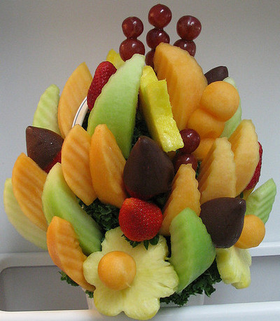 fruit arrangements for baby shower