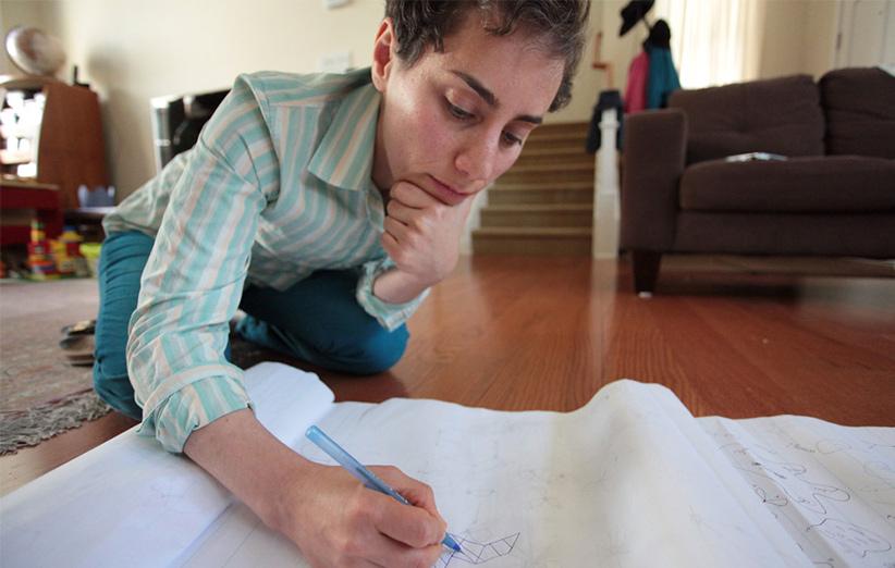 مریم میرزاخانی به گفتهي معلمان و اساتیدش استعداد عجیبی در حل مسائل پیچیدهی ریاضی داشت.