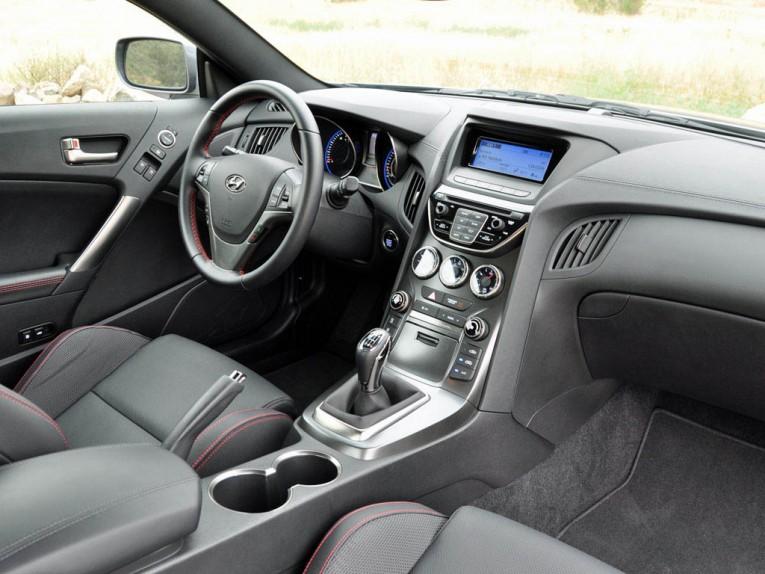 2015 Hyundai Genesis Coupe R-Spec Interior