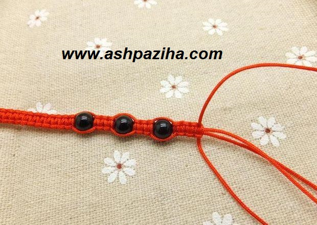 Training-of-bracelet-with-beads-agate-image (13)