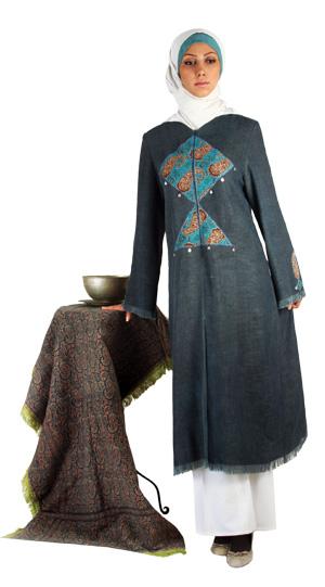 خرج کار سنتی روی مانتو لباسهای شیک ،پوشیده و سنتی