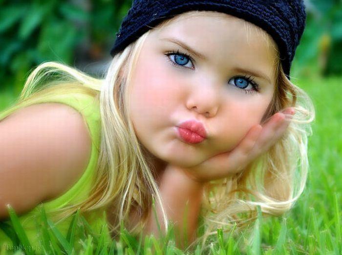 عکس زیباترین دختر چشم آبی
