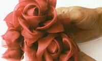 آموزش ساخت گلهاي پارچه اي