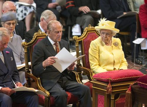 ملکه به لورل و هاردی پناه برد!